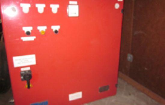 sprinklerpomp met besturingkast